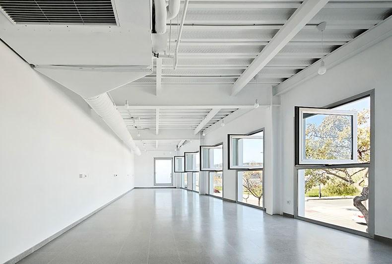 西班牙马略卡兽医院设计9