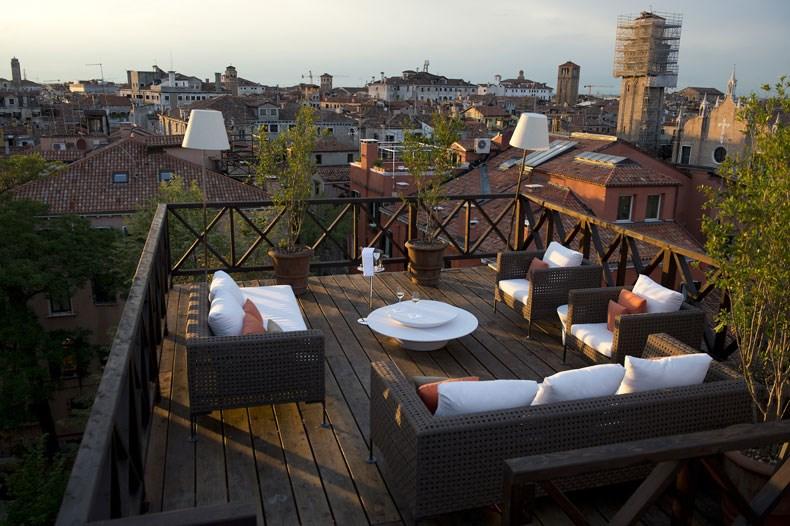 RS1940_Aman-Canal-Grande-Venice---Altana-Roof-Terrace-lpr.jpg