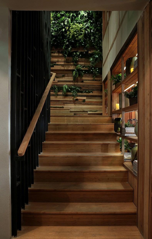 印巷餐厅设计-楼梯间