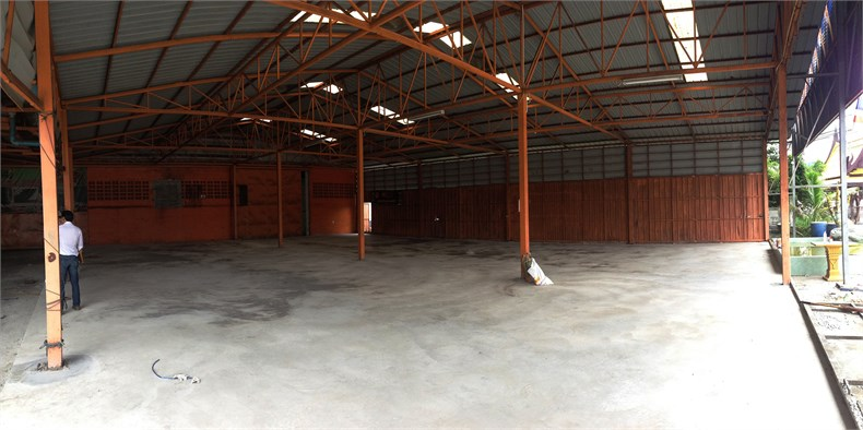 warehouse before the transformation.jpg