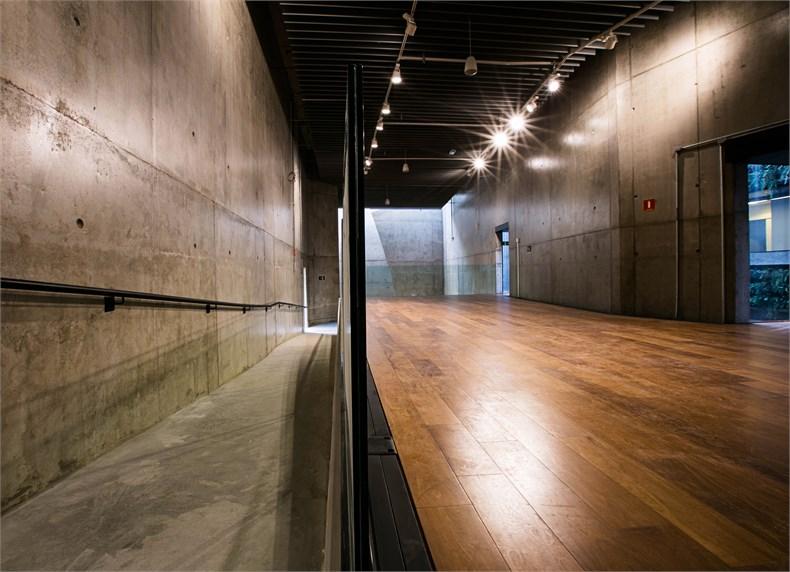 巴西塞古鲁港文化中心—一座具人文关怀的中心-08