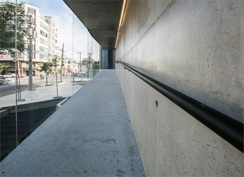 巴西塞古鲁港文化中心—一座具人文关怀的中心-09