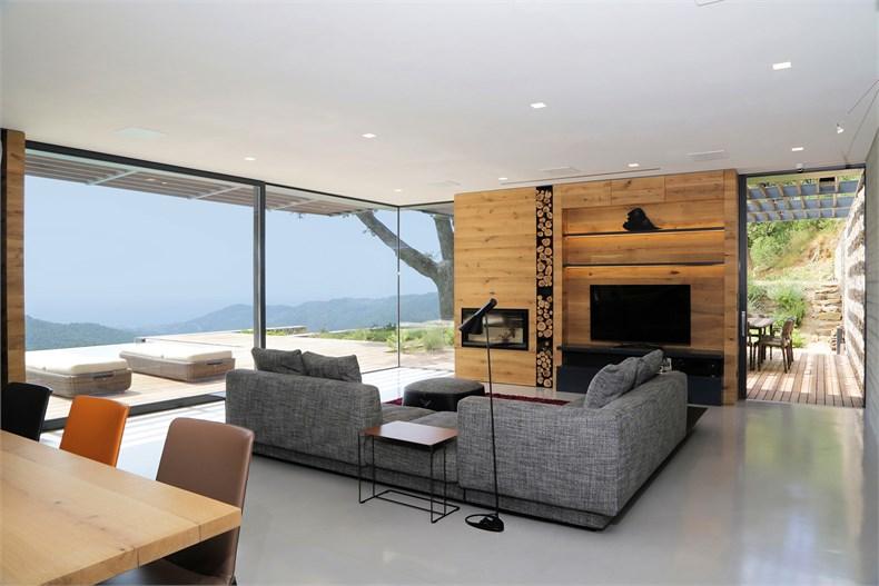 利古里亚5间卧室住宅设计-04