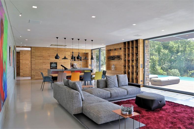 利古里亚5间卧室住宅设计-05