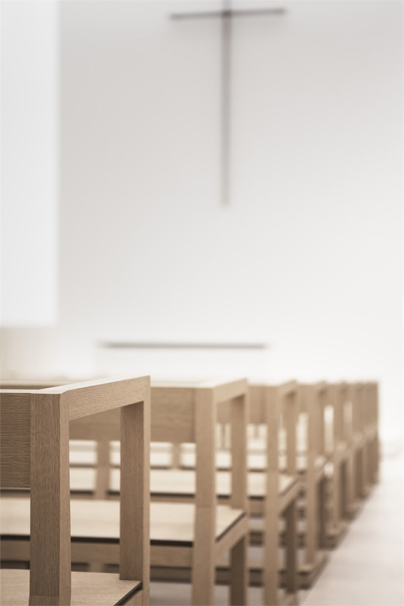 Elsa Urquijo建筑事务所:Padre Rubinos社会慈善机构总部设计-11