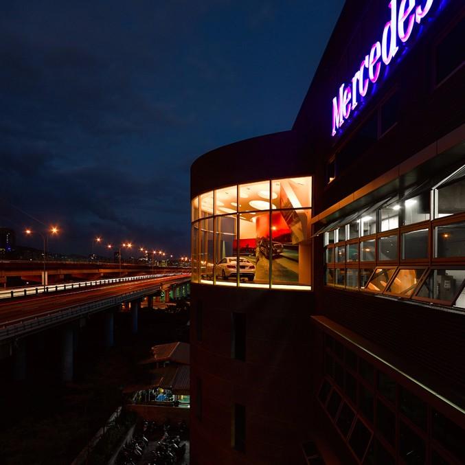 何俊宏:台北奔驰展厅设计2