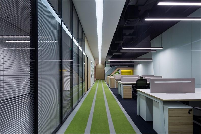 齐鹏达:莱蒙新业务办公室设计-04