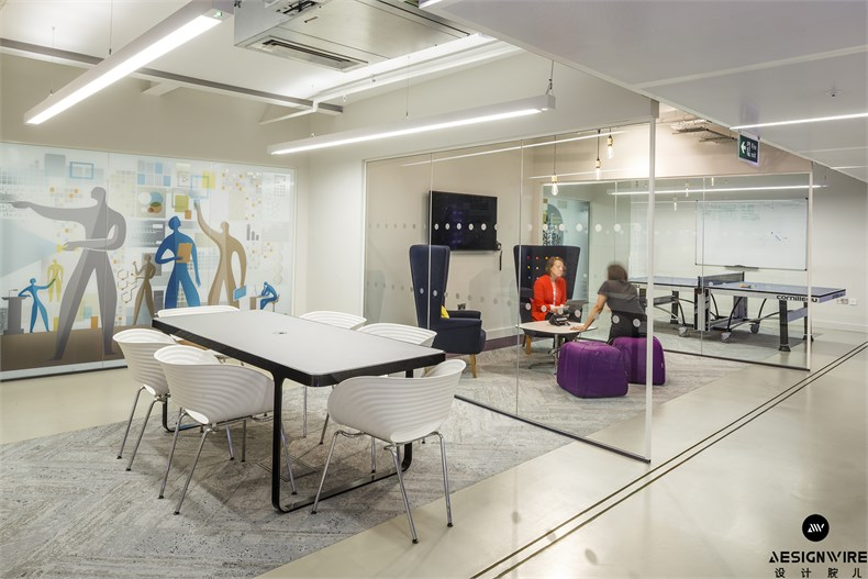 16 - A second meeting space is more relaxed, whilst the first features a ping-pong table_副本.jpg