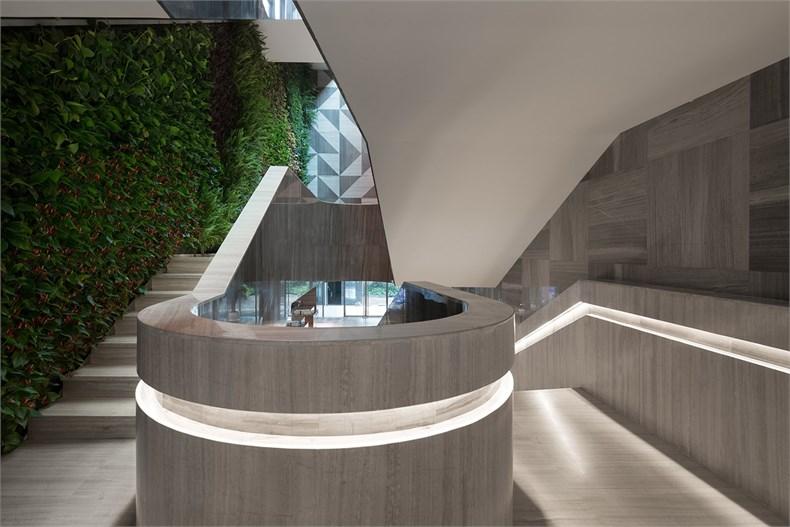 一 二层 楼梯.jpg