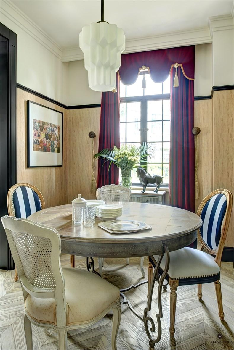 1F dining room.jpg