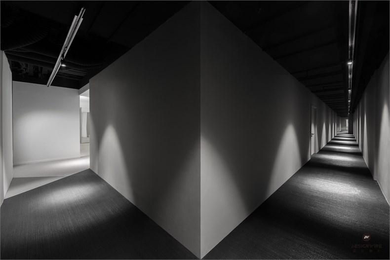 12 rear corridor_large.jpg