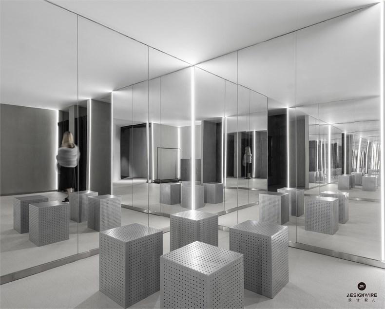 15 mirror room_large.jpg