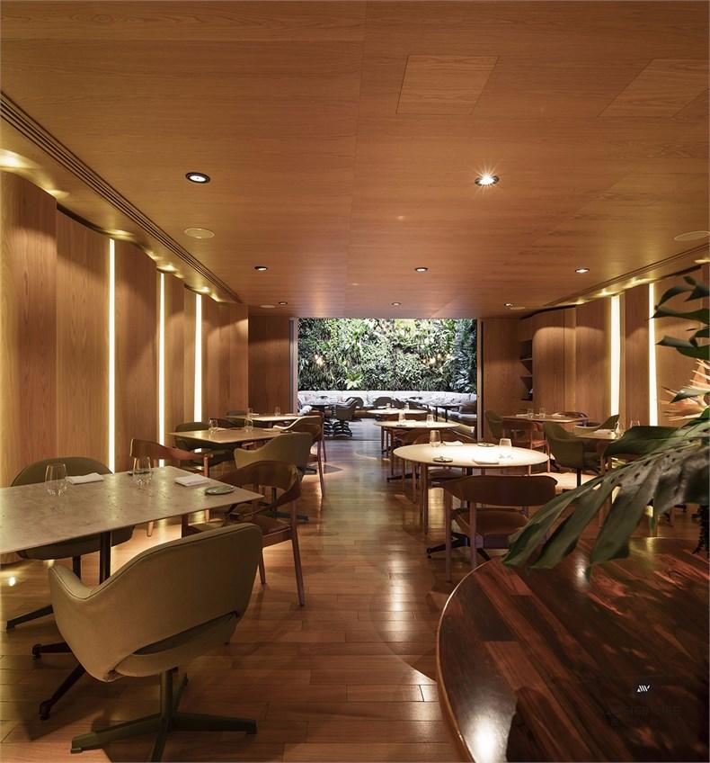 14 – Emiliano – Restaurant.jpg