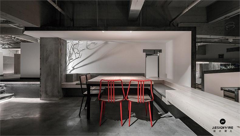 12复层餐桌.jpg