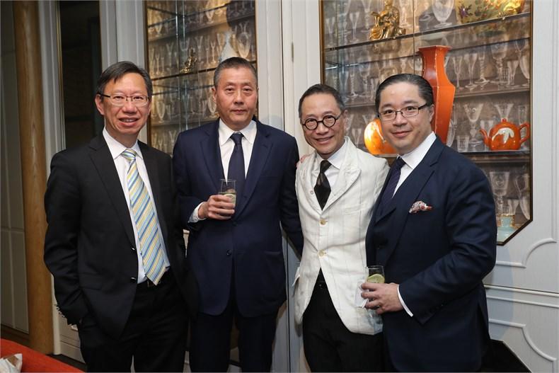 (从左至右)香港置地集团公司执行董事黄全铭、蒲小庆先生、著名设计师陈幼坚与周明祖先生。.jpg