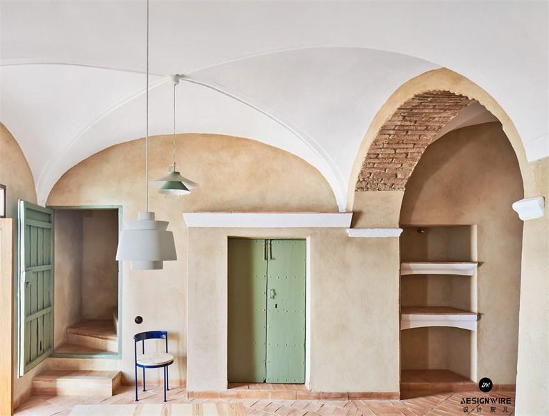 casa-villalba-de-los-barros-lucas-y-hernandez-gil-interiors-residential-spain_dezeen_2364_col_11.jpg