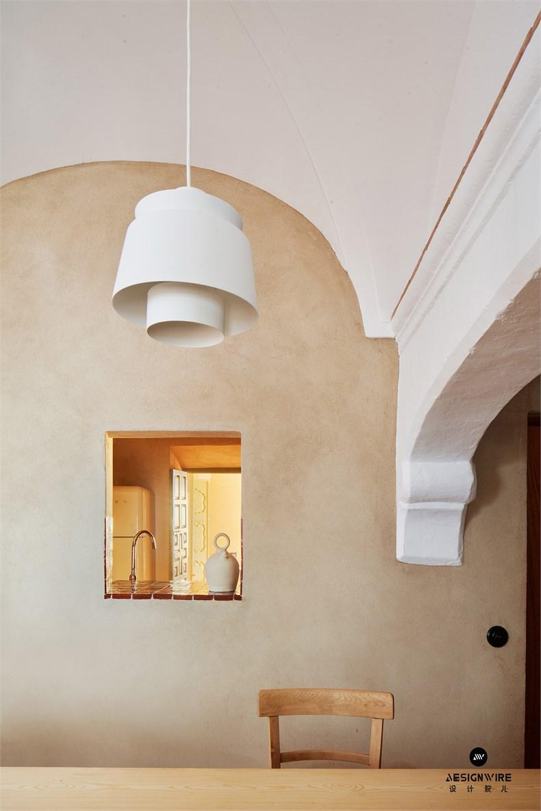 casa-villalba-de-los-barros-lucas-y-hernandez-gil-interiors-residential-spain_dezeen_2364_col_16.jpg