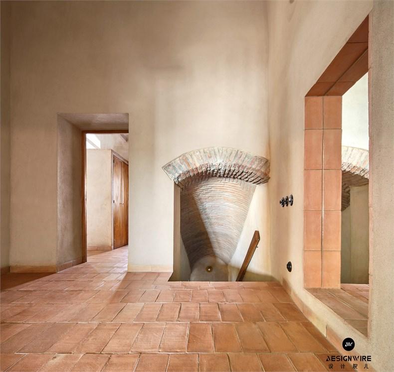 casa-villalba-de-los-barros-lucas-y-hernandez-gil-interiors-residential-spain_dezeen_2364_col_25.jpg