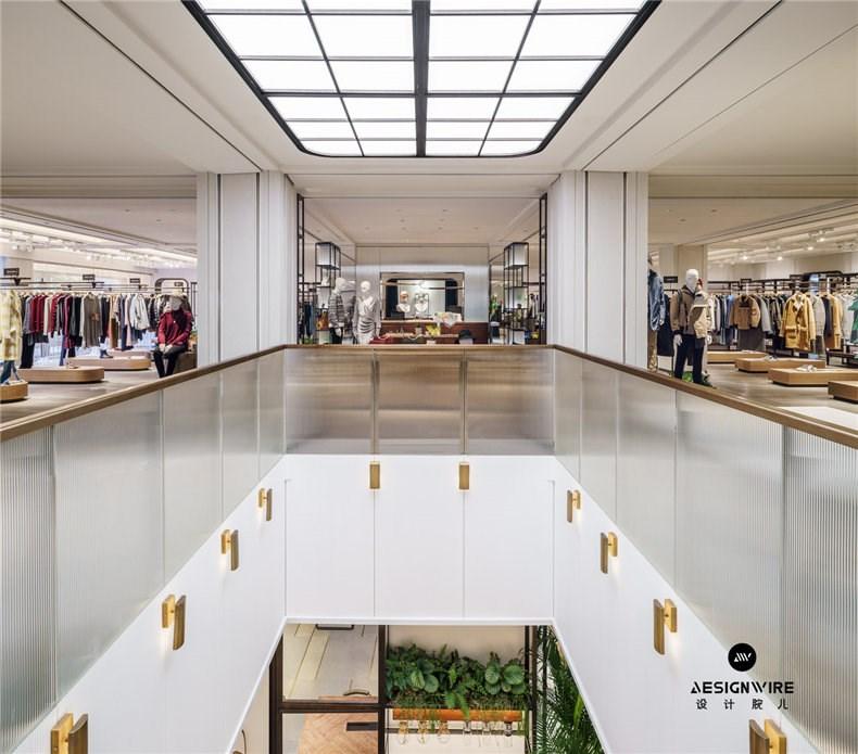 2F void with skylight and retail view-2层悬挑及零售空间视角.jpg