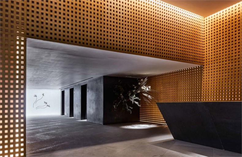 019-clubhouse-and-the-entrance-lobby-area-of-luxury-condominium-fleur-pavilia-in-hong-kong-china-by-uchida-design-inc-960x625.jpg