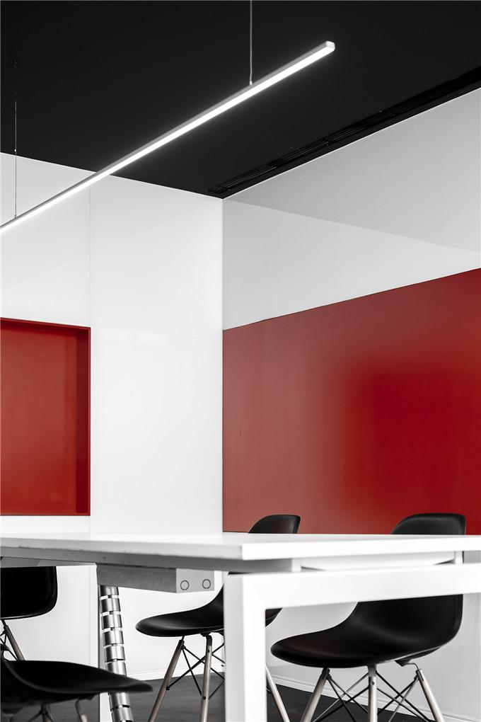 30.办公空间-会议室.jpg