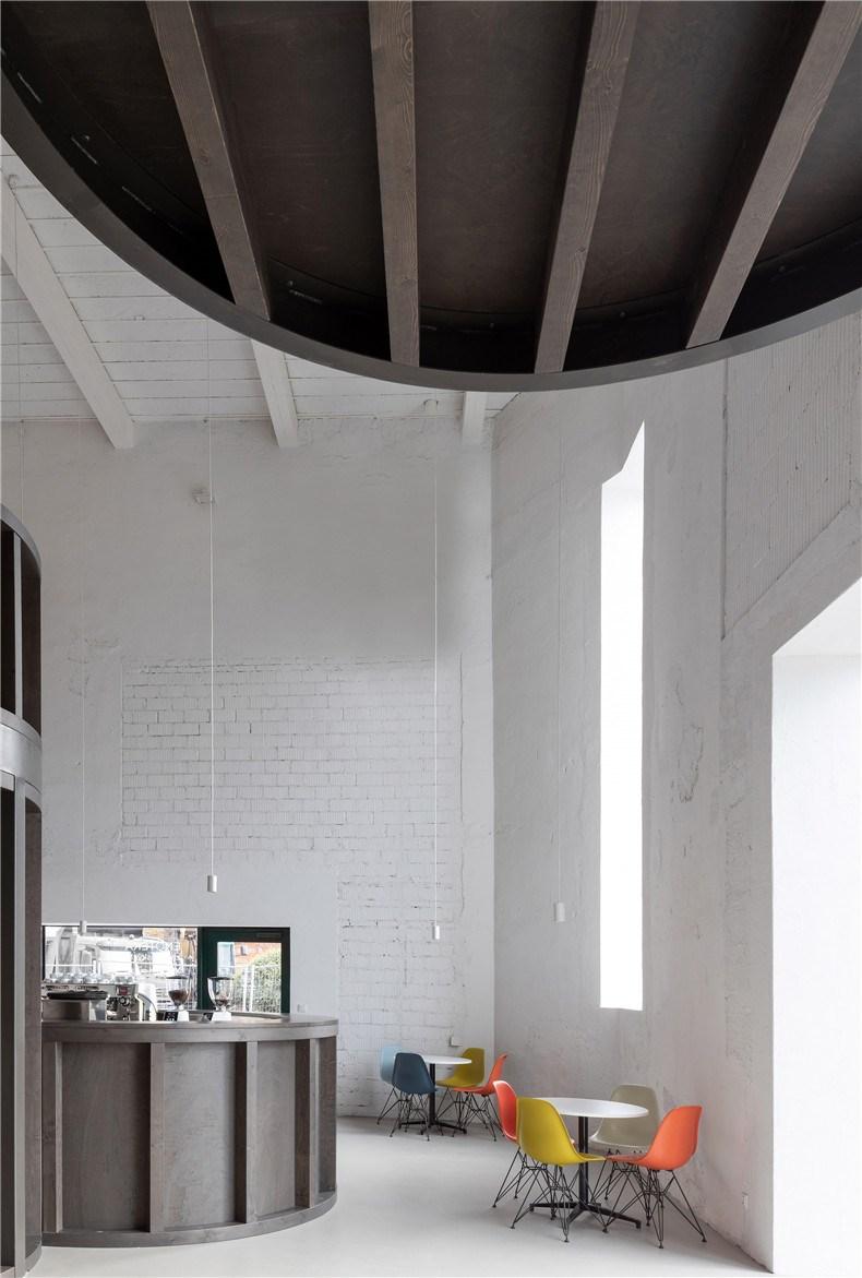 house-of-wine-znojmo-czech-republic-chybik-kristof-interiors_dezeen_2364_col_13.jpg