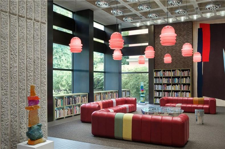 acne-studios-headquarters-floragatan-13-offices-interiors-stockholm-sweden_dezeen_2364_col_1.jpg