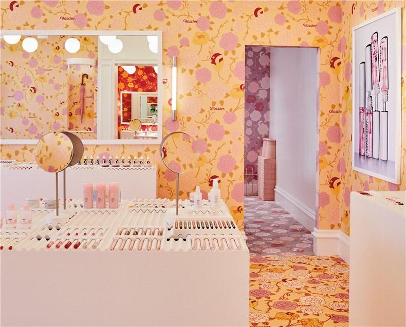 glossier-london-floral-street-pop-up-shop-interiors_dezeen_2364_col_2.jpg