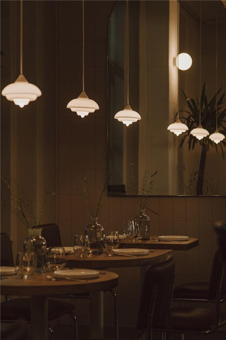 nadzieja-restaurant-interiors-agnieszka-owsiany-poland_dezeen_2364_col_21.jpg