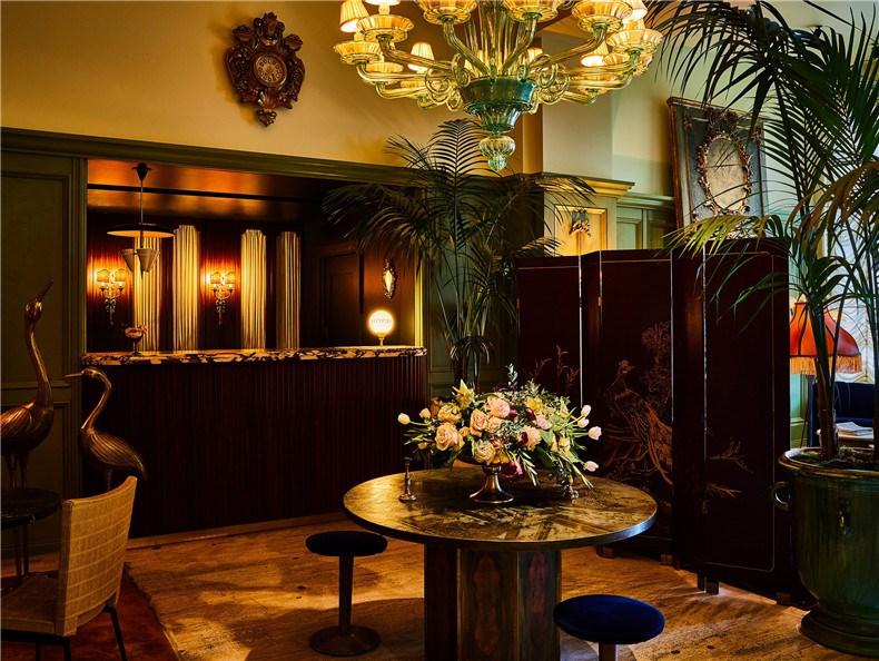 siren-hotel-detroit-ash-nyc-ari-heckman-video_dezeen_2364_col_22.jpg