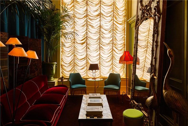 siren-hotel-detroit-ash-nyc-ari-heckman-video_dezeen_2364_col_20.jpg