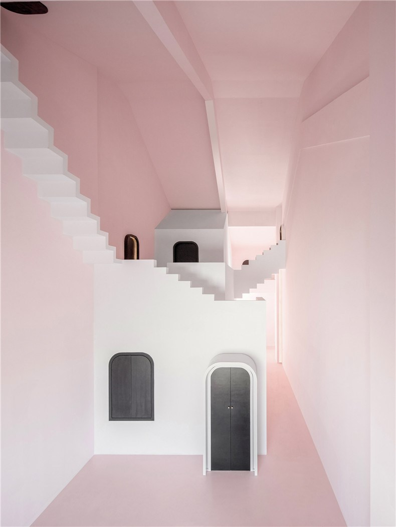 creative-guesthouse-the-other-place-studio-10-interiors_dezeen_2364_col_15.jpg