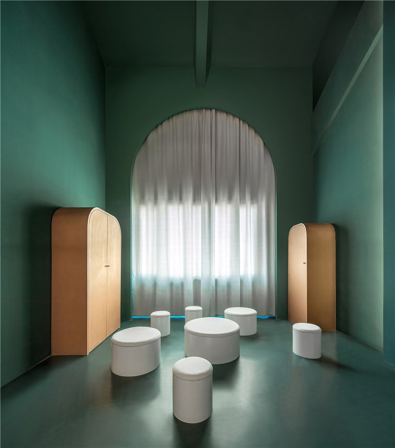 creative-guesthouse-the-other-place-studio-10-interiors_dezeen_2364_col_21.jpg