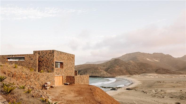 barefoot-luxury-hotel-interiors-cape-verde-polo-architects_dezeen_hero-2.jpg