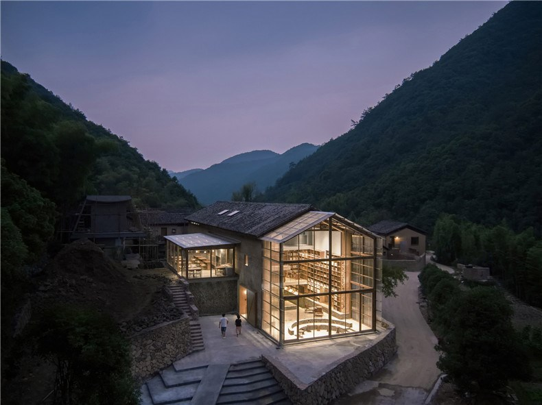 capsule-hotel-atelier-tao-c-china-architecture-photo-su-shengliang_dezeen_2364_col_1.jpg