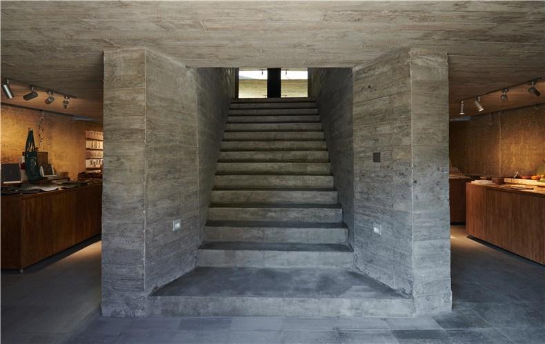 10 通向二层楼梯 ©陈颢 Stairs leading to the 2nd floor ©CHEN Hao.jpg