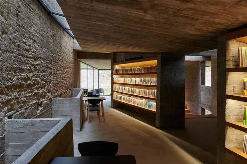 18 二层阅读区 ©陈颢 Second floor reading area ©CHEN Hao.jpg