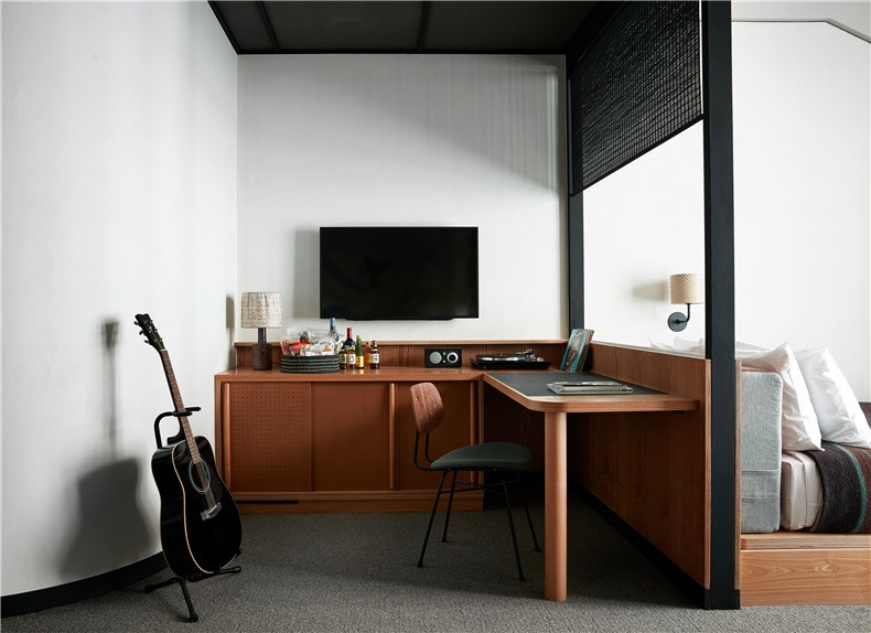 Ace Hotel Kyoto - guestroom desk and minibar- credit Stephen Kent Johnson.jpg