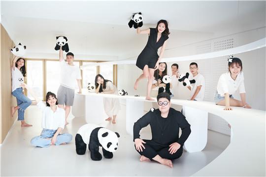 寸匠熊猫团体照_副本.jpg