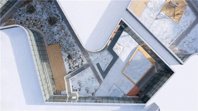 17-WEI architects-那和雅幼儿园-俯瞰-院落.jpg