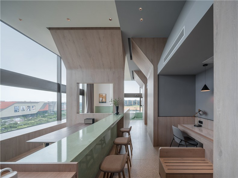 27_BEHIVE_Architects_Atour_Hotel_photographed_by_Wu_QingShan.jpg