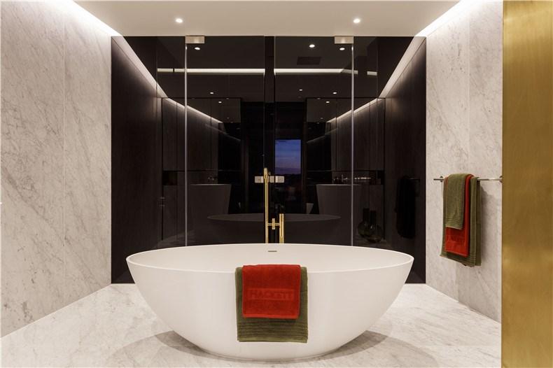 Gasholders x Suna_Master Bathroom_Credit Philip Durrant.jpg