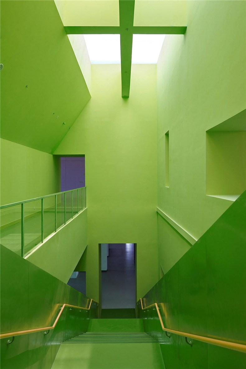 中环艺术馆-15-大型楼梯 .jpg