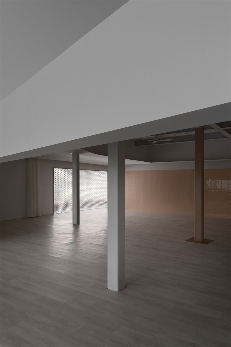 14  综合教室Comprehensive classroom    ©郭靖.jpg
