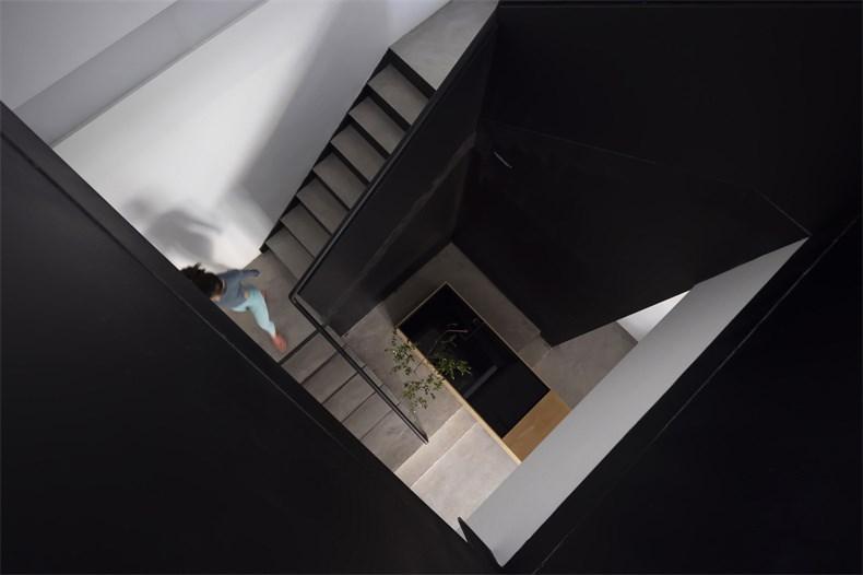 15  楼梯俯瞰Stairs overlooking    ©申强.jpg